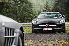 SLS vs. SLR 722s (Keno Zache) Tags: black tree slr canon photography eos grey mercedes benz power belgium bokeh automotive cabrio luxury sls amg roadster nordschleife nrburgring sharpness keno sportcars 400d zache 722s