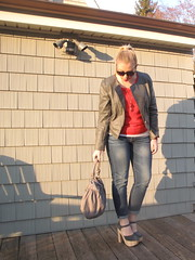 Livingaftermidnite - Gray Matter (jackiegiardina) Tags: red wet sunglasses grey blog outfit jackie 21 mark mary gray rep gap jewelry blogger clothes jeans jacket purse seal edge target blogspot forever sabine avon platforms janes jacquelyn giardina piperlime livingaftermidnite