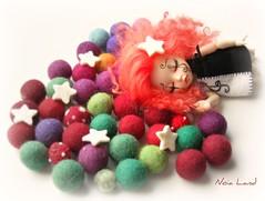 Dulces sueños (Noia Land) Tags: sol doll circo marioneta puppet circus clown luna musica bjd payaso fairyland pierrot carrusel marotte pukifee