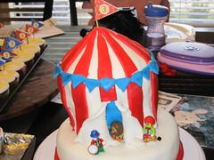 IMG_3265 (jade645) Tags: birthday cake fondant circustent