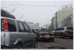 | Traffic in Moscow (Dit is Suzanne) Tags: winter traffic russia moscow sneeuw moskou rusland verkeer    img0113 views200  onderwegineuropa ontheroadineurope ditissuzanne canoneos40d sigma18125mm13556 09012009  invoegen