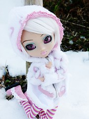 Eve ( P R I N C E S A ) Tags: pink white snow glitter eyes wig pullip custo vnus walle