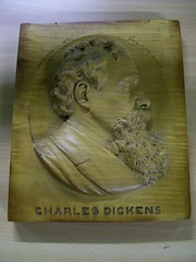 Plaque of Charles Dickens (Birmingham Museum and Art Gallery) Tags: wood plaque pinto charlesdickens treen