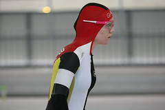 2B5P0979 (rieshug 1) Tags: 500 3000 tilburg 1500 1000 nk dames schaatsen speedskating eisschnelllauf junioren junb nkjunioren ireenwustijsbaan gewestnoordbrabantlimburgzeeland