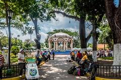 Parque Daniel Hernandez (Christopher OKeefe) Tags: elsalvador santatecla plaza vendor
