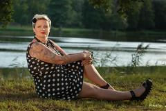Peggy (Sabrina Vosgien) Tags: portrait nature tattoo nikon eau femme vert arbres d750 etang tatouage et pierrelatreiche