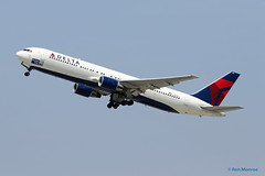 "Delta Airlines, Boeing 767-300 ""The United Way"" (Ron Monroe) Tags: boeing lax airlines 767 airliners deltaairlines klax"