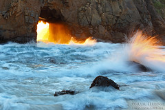 Portal of Fire (Willie Huang Photo) Tags: ocean sunset seascape nature landscape coast waves pacific scenic bigsur portal pfeiffer hwy1 pfeifferbeach juliapfeiffer