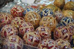 Christmas (RetroMonster) Tags: madrid christmas wallpaper beautiful ball navidad nikon shine simply