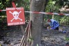 Danger mines (Humanity & Inclusion UK) Tags: female danger women accidents landmines conflict senegal casamance handicapinternational weapons amputee demining disability risks mineclearance