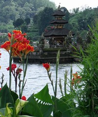 Bali Lake Beratan 5 (Timelapsed) Tags: bali lake tanahlot beratan