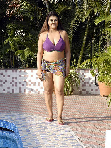 hot sexy Kollywood Actress Sona Swimming Pool Spicy Photos Gallery 7