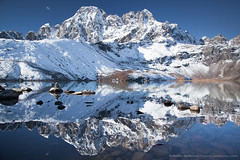 Gokyo Lake (4,750 m) (Anton Jankovoy (www.jankovoy.com)) Tags: nepal winter lake snow mountains stones everest himalayas solukhumbu everestregion sagarmathanationalpark