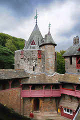 Castell Coch (coc09030) (marechal jacques) Tags: red history castles wales de ruins towers cymru cardiff ruin age ruinas histoire historical middle fortifications galle jacques fortress castello pays ages historia rocca castel forts castelli torri castillos medioevo fortresses torres mediaeval kasteel remparts castell ruines schlösser rovine geschichte burges coch fortezza bute storia zitadelle mittelalter castells châteaux burgen citadelles moyen fortalezas medievali fortificazioni medioevali médiévales maréchal mittelalterlichen fortificaciones stadtmauern fortezze forteresses donjons schlosses fortifiées pixures wébiéval