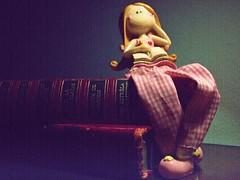 Leituras (Tadeu e Suelen) Tags: brasil canon doll brinquedo portoalegre suelen boneca riograndedosul filtro tadeu surodrigues jtadeu suelenetadeu tadeuesuelen oitadeu