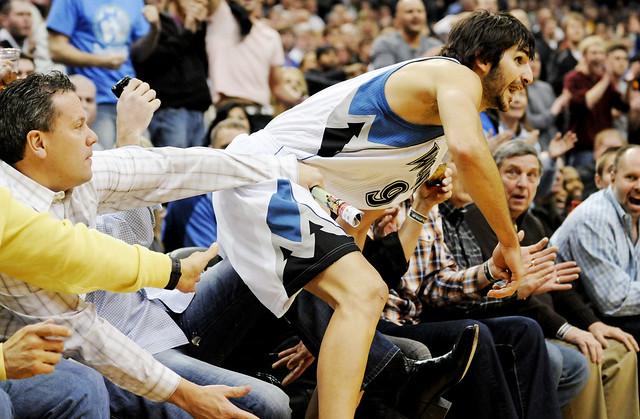 Ricky Rubio se estrenó en la NBA