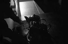 """ (Marcus Yau) Tags: shadow blackandwhite blackwhite cafe f14 voigtlander rangefinder cups teapot 40mm nokton bessar3a selfdev"