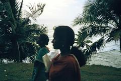 (Marie Nolle Taine) Tags: people woman india seaside twilight kerala varkala backlighting
