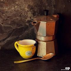 Good morning... (Osvaldo_Zoom) Tags: morning stilllife cup coffee nikon express moka d80