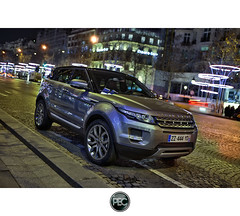 Range Rover Evoque - Champs Elyses Paris (_PEC_) Tags: auto park 2 paris france car night photoshop canon photo high triangle automobile pix photographie dynamic 4x4 image mark tripod champs elyses picture engine pic rover voiture ii coche carro l 5d 24 28 usm dor suv 75 70 range nuit hdr luxe 2012 manfrotto photographe mark2  pec machina 75008 2011 evoque trepied   worldcars ling oloneo jidousha 2011