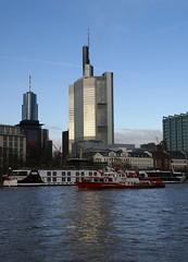 Frankfurt, Skyline (HEN-Magonza) Tags: skyline frankfurt main commerzbank hochhaus highrisebuilding maintower europeancentralbank europischezentralbank eurotower nrnbergerversicherung