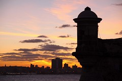 Havana, Castillo del Morro, Sunset (blauepics) Tags: city travel houses sunset red sea orange sun rot tower water architecture del america buildings island la reisen meer wasser republic colours sonnenuntergang country capital hauptstadt havana cuba nation central ciudad republik communist explore stadt latin land architektur caribbean walls cuban habana turm sonne fortress havanna americas gebude morro castillo kuba watchtower farben mauern huser festung karibik wachturm lateinamerika mittelamerika kubanische amerikathe