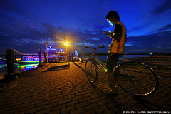 lost direction at Danga Bay-blue hour (Faizal Jasri) Tags: sunset bicycle bluehour johor hdri ipad dangabay