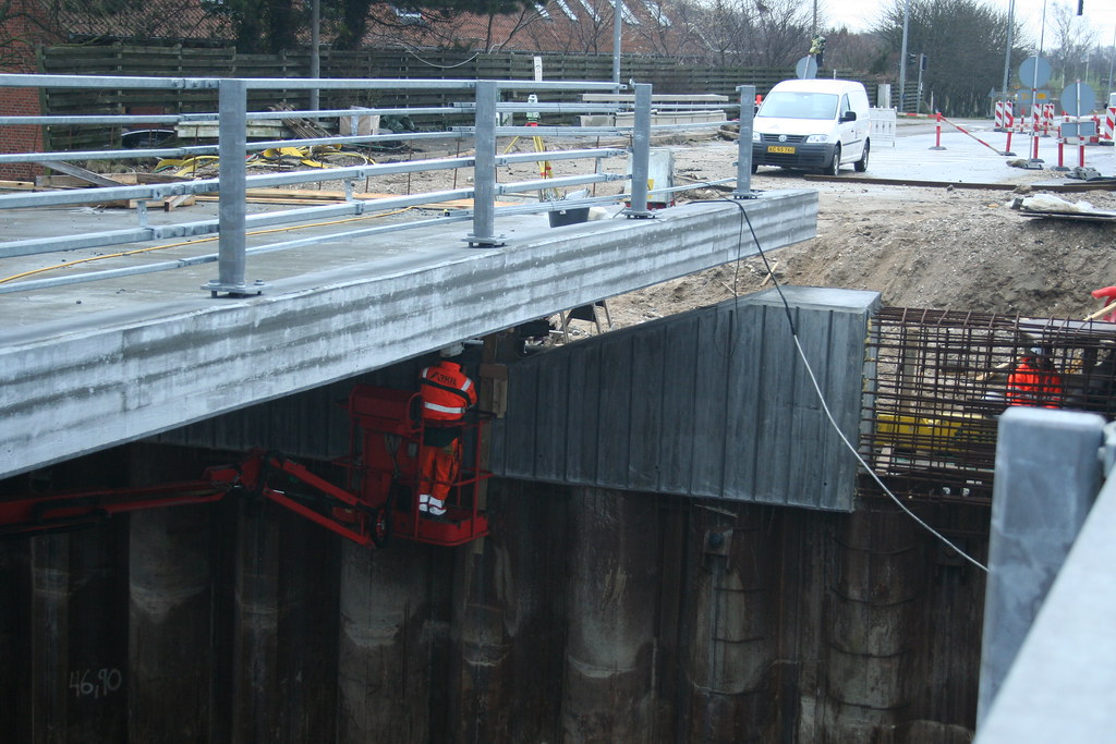 New bridge over motorway
