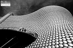Kaplicky in Black and White (david gutierrez [ www.davidgutierrez.co.uk ]) Tags: city urban blackandwhite bw building blancoynegro monochrome architecture modern birmingham selfridges futuresystems blackwhitephotos kaplicky futuristicdesign kaplickyinblackandwhite