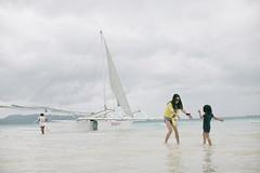 Boracay (Eason Q) Tags: white beach girl philippines boracay fridays 菲律宾 长滩岛