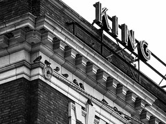 King Street Pigeons (self.defenestration) Tags: seattle city blackandwhite building monochrome lines birds architecture pigeons telephoto