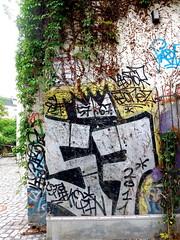 Hraffiti (zoe sarim) Tags: graffiti hamburg