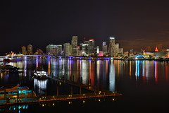 Miami (Mettwoosch) Tags: city longexposure vacation sky usa holiday building water skyline architecture night america canon reflections eos lights coast licht wasser cityscape unitedstates florida nacht miami outdoor urlaub himmel roadtrip shore stadt architektur amerika gebude ef kste langzeitbelichtung spiegelungen vereinigtestaaten 5dm3