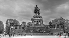 Coblence 1 (Ld\/) Tags: blackandwhite bw black statue germany deutschland spring noir noiretblanc mai blanc koblenz deutsch 2016 ecks coblence