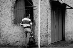 La Ventanita (Lex Arias / LeoAr Photography) Tags: street people urban blackandwhite bw streetart blancoynegro monochrome monocromo calle nikon gente venezuela streetphotography monochromatic bn urbana barquisimeto artecallejero 2016 callejera nikond3100 everybodystreet streetphotovenezuela leoarphotography lexarias streetphotographyvzla iglexariasphotos