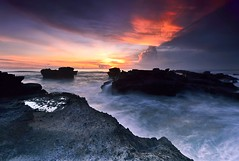 harmony.. (Dyahniar Labenski) Tags: light sunset sky bali beach nature stone indonesia nikon 1024mm d7000 mengening dyahniar
