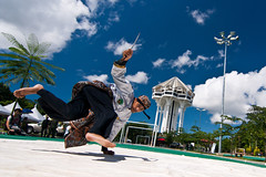 Silat (framptoP - E.V.I.L. Photographer) Tags: people art asian flying flickr martial sony places tokina event sarawak malaysia borneo sword wushu civiccentre kuching malay silat breakfree iamflickr