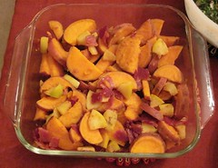 Sweet potatoes with apple, bacon & maple syrup
