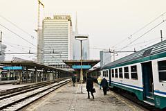 [Milano a colori] (Luca Napoli [lucanapoli.altervista.org]) Tags: street nx100 milanoportagaribaldi lucanapoli itcomesthesun nx100street arrivareamilanoognigiorno