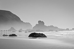 hazy shades of summer (fuerst) Tags: travel sea blackandwhite bw beach portugal water rock strand coast meer wasser spray sw fels algarve reise kste schwarzweis gischt praiadacordama canoneos60d