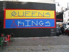 Le M.U.R. N110 by Gabriel Cante (tofz4u) Tags: streetart paris pasteup collage poster billboard queens kings lemur mur affiche artderue 75011 gabrielcante