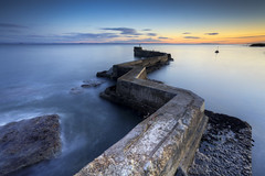 ZigZag (Stuart Stevenson) Tags: uk longexposure blue sunset water wall photography evening scotland scary twilight harbour tide windy wideangle breakwater firthofforth stmonans