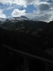 Matterhorn / Mont Cervin / Monte Cervino und Findelbachbrücke ob Zermatt im Kanton Wallis / Valais in der Schweiz (chrchr_75) Tags: mountain alps berg landscape schweiz switzerland suisse suiza swiss august suíça zermatt matterhorn monte alpen christoph svizzera landschaft mont wallis sveits valais 2007 cervin sviss zwitserland sveitsi suissa cervino montecervino 0708 kanton chrigu szwajcaria スイス montcervin chrchr kantonwallis hurni chrchr75 chriguhurni kantonvalais albummatterhorn hurni070810