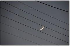Pour crire un mot (Jean-Luc Lopoldi) Tags: sky music moon lune dark minimal note ciel sombre nuit chanson abstrait porte lignelectrique