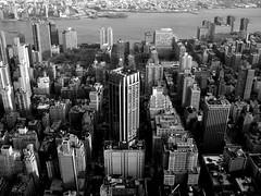 Manhattan (angelspayro) Tags: usa white newyork black streets america buildings river skyscrapers manhattan rockefellercenter roofs eua blanc negre topoftherock riu gratacels novayork edificis terrats amrica angelspayro