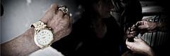 L'orologio guasto ed il braccialetto regalato da Luigi [Il più bel giorno della mia vita] (Luca Napoli [lucanapoli.altervista.org]) Tags: homeless 100 reportage nx twophotos nx100 lucanapoli glioggettiquotidianidirosariaegiacomo da16anniinsieme homelessinmilan amiciormai fallimentodellasocietàmoderna viteallimite