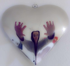 Si amar fuese amar (Z-zzeta) Tags: madrid portrait people selfportrait love heart gente retrato amor identity corazn identidad autiretrato mygearandme