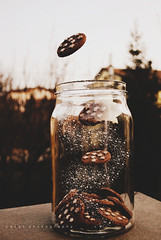 I believe in magic. (Laura Ascari) Tags: sky nikon chocolate magic levitation cielo believe jar biscuits magical cioccolato vaso biscotti magia credere 52weeks levitazione