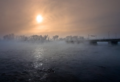 Foggy morning [Explored+fp] (Chenelster) Tags: bridge river ottawa gatineau canon5d ottawariver canon1740l champlainbridge