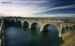 Asmaki (kzappaster) Tags: bridge samsung greece pancake 16mm larissa ifn stonebridge nx thessaly mirrorless nx100 asmaki samsungnx100 compactsystemcamera 16mmf24